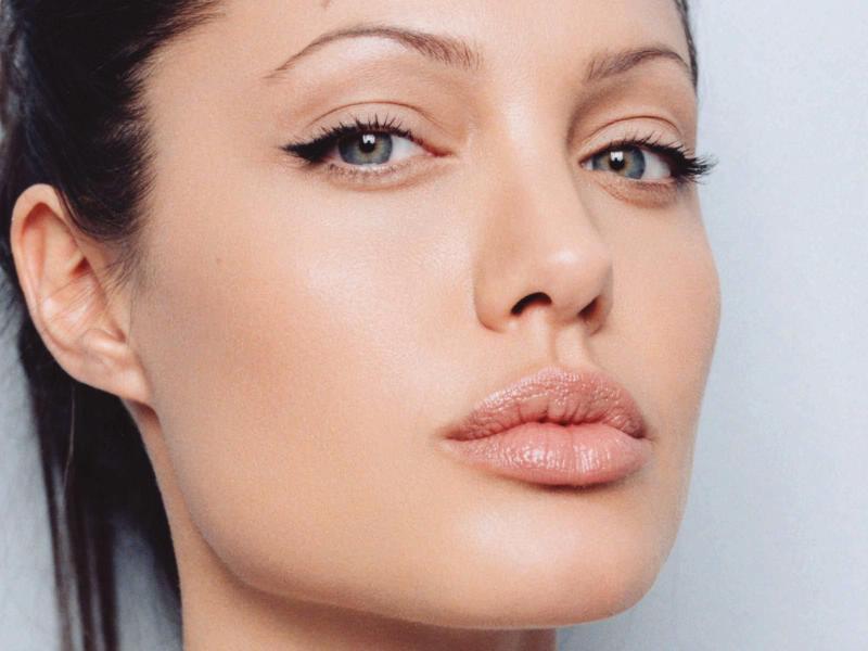 Angelina Jolie en un nuevo papel comprometido