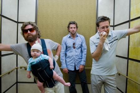 "Trailer online subtitulado de la película ""The Hangover"", con Bradley Cooper, Ed Helms, Zach Galifianakis, Heather Graham y Justin Bartha"
