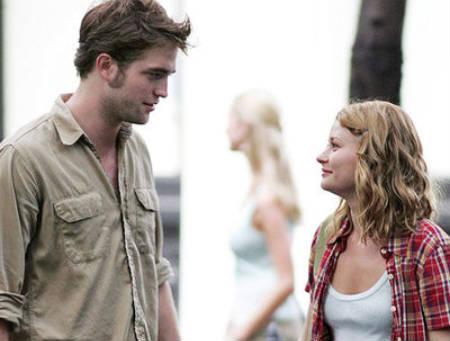 Trailer online subtitulado de la película Remember Me, con Robert Pattinson y Emilie de Ravin