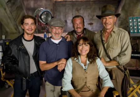 """Shia LaBeouf anuncia que ya se escribe el guión de """"Indiana Jones V"""""""