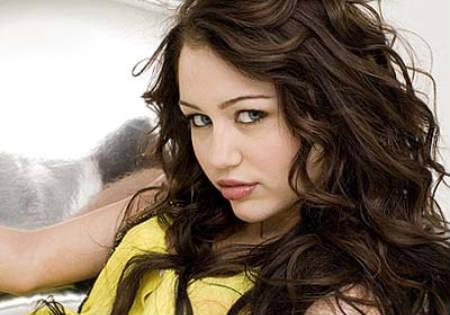 """Miley Cyrus será una detective en """"So Undercover"""""""