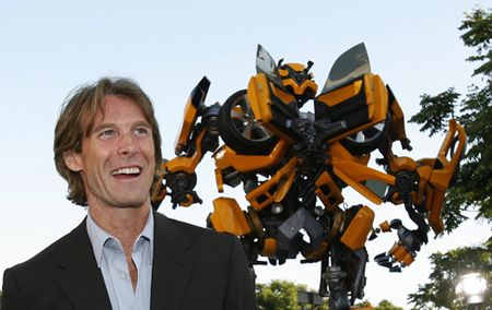 Michael Bay producirá Zombies VS Robots