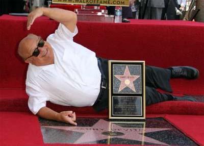 Danny DeVito ya tiene su estrella de Hollywood