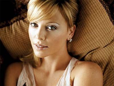 Charlize Theron protagoniza Mad Max 4