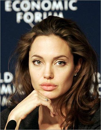 Jolie y Aniston, las más influyentes del espectáculo