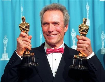 Clint Eastwood, dos cintas por estrenar, dos por filmar, y una por cerrar el acuerdo