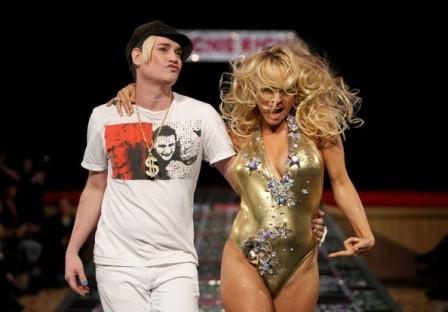 Pamela Anderson diseña línea de indumentaria ecológica