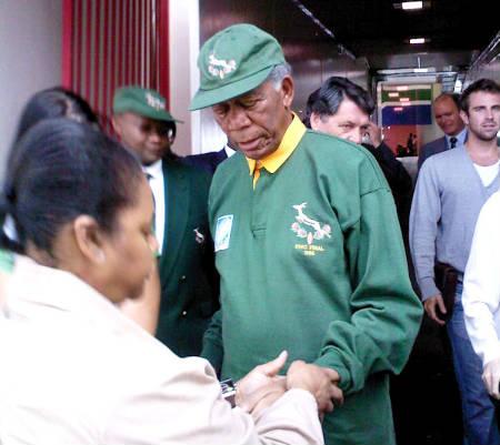 Primer imagen de Morgan Freeman como Nelson Mandela en «Invictus»