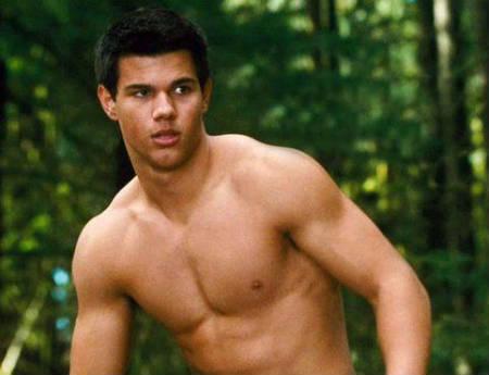 """Taylor Lautner habla sobre sus terribles experiencias filmando """"Luna Nueva"""""""