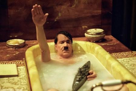 Trailer online en español de la película 'Mein Führer', estreno 7 de agosto de 2009