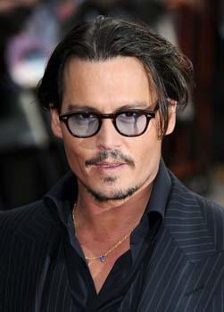 Demandan a Johnny Depp