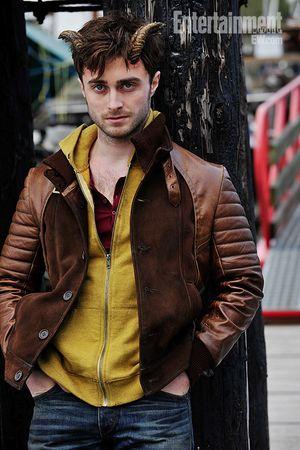 Daniel Radcliffe muestra sus cuernos en Horns